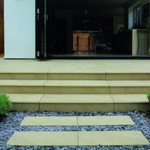 Bradstone Mode Profiled - Step - Beige - 900x450
