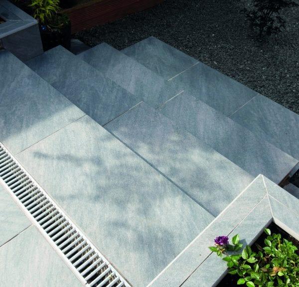 Bradstone Mode Profiled - Step - Dark Grey - 900x450