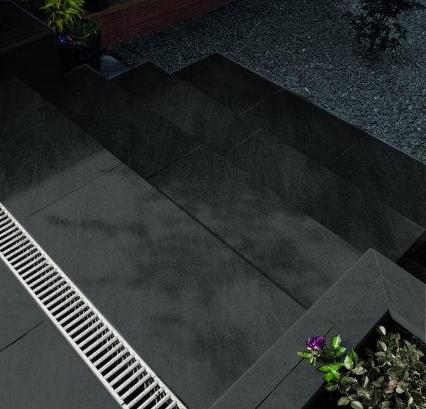 Bradstone Mode Profiled - Step - Graphite - 900x450