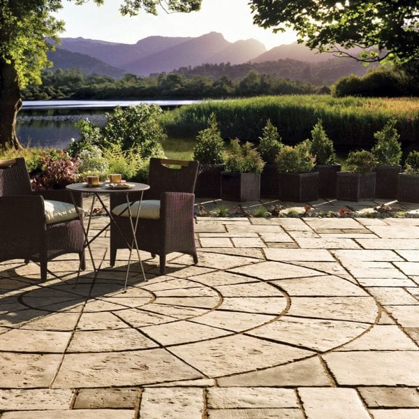 Bradstone Old Town - Circular Paving Outer - Grey-Green - 4000diam