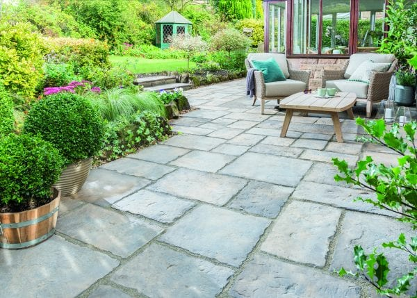 Bradstone Old Town - Patio Pack - Old Quarried - 2800x2300