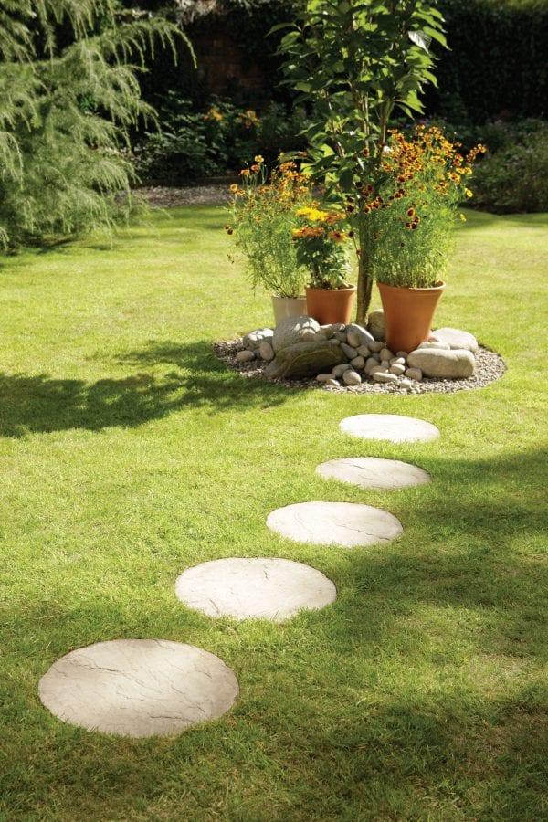 Bradstone Round Stepping Stone - Stepping Stones - Cream Blend - 450diam